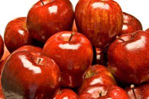 Яблоки для кормящей мамы