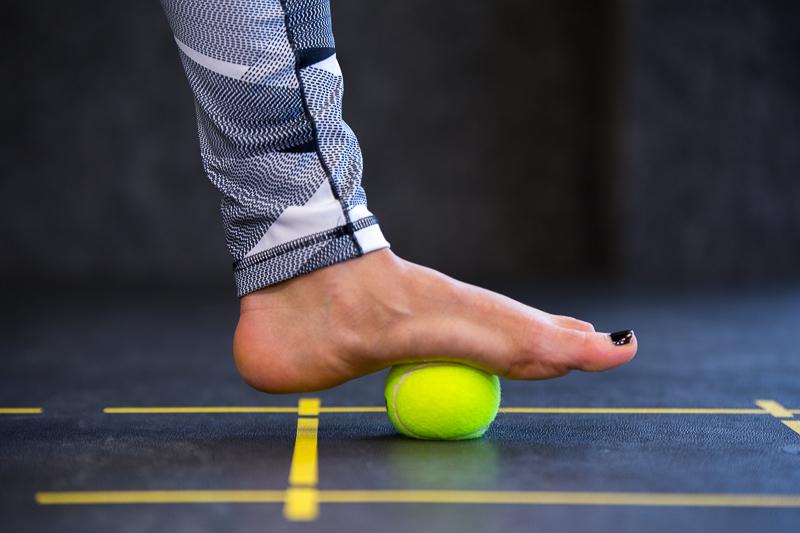 Раскатайте напряжение в ноге