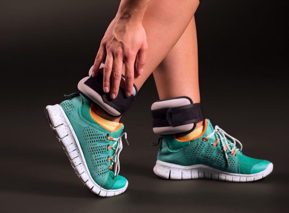 бег с утяжелителями на ногах